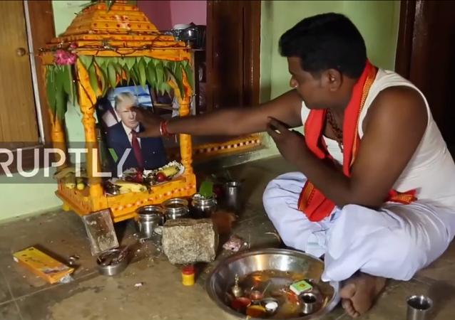 بناء معبد جديد في الهند واتخاذ ترامب إلها لهم