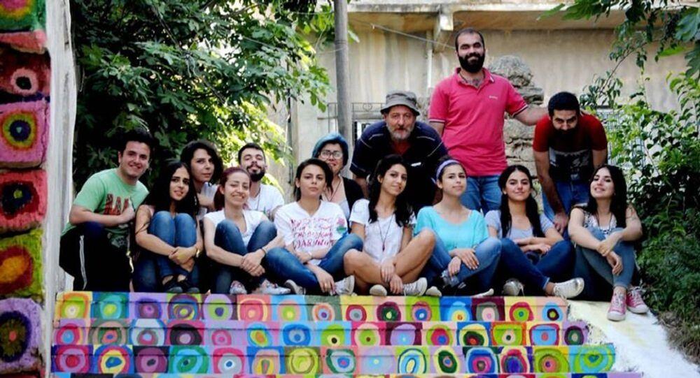 مبادرات تقودها الفنانة التشكيلية هيام سلمان لتجميل شوارع وأزقة مدينة اللاذقية