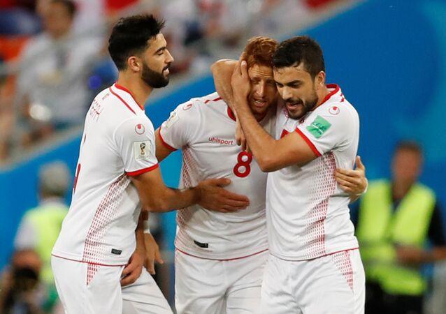 لاعبو تونس يحتفلون بهدف التعادل أمام بنما في كأس العالم 2018