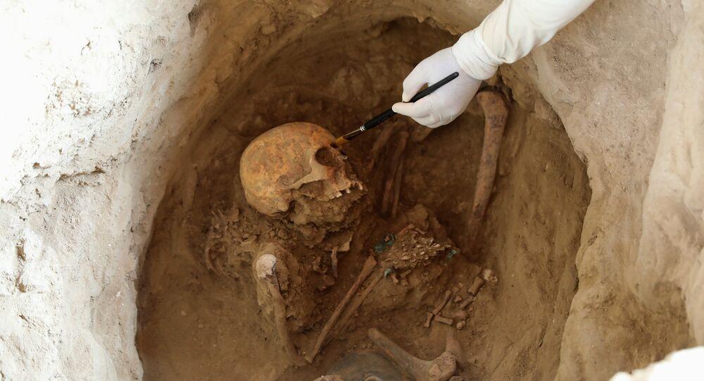مقابر للإنكا في بيرو
