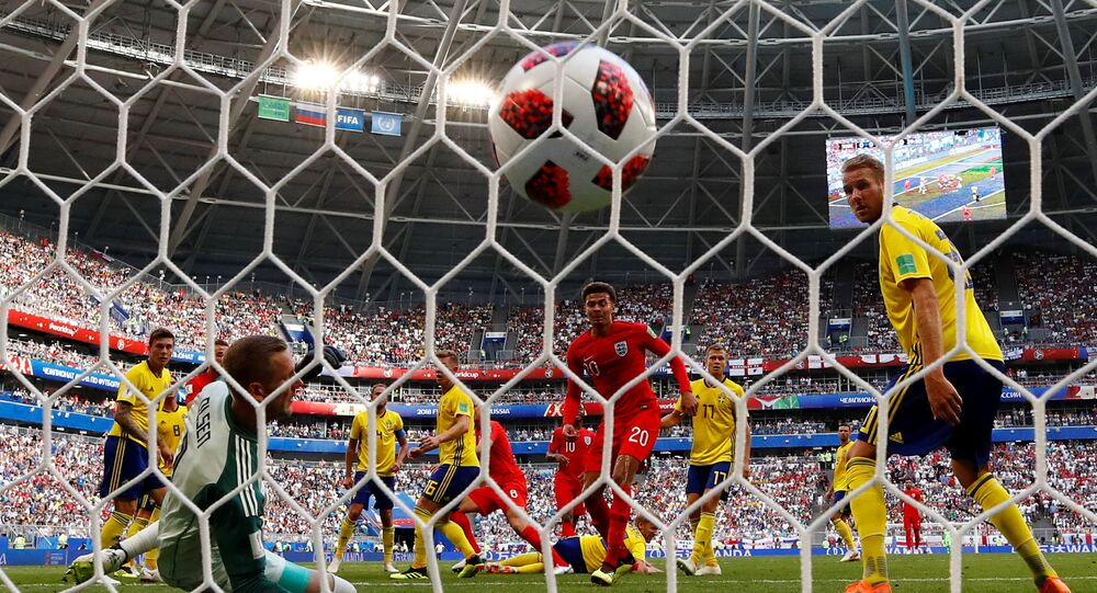 هدف انجلترا الأول في مرمى السويد