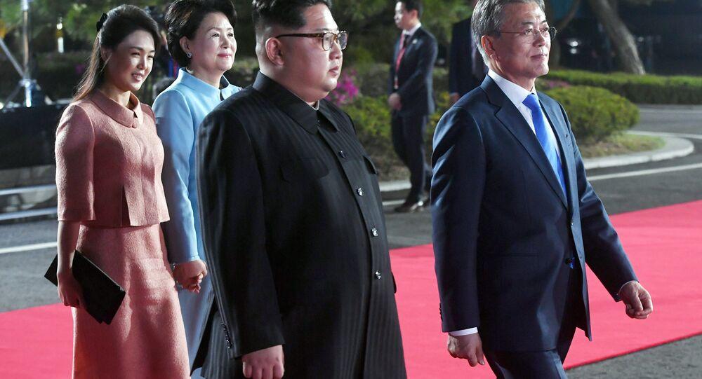الرئيس مون جيه إن مع الرئيس كيم جونغ أون