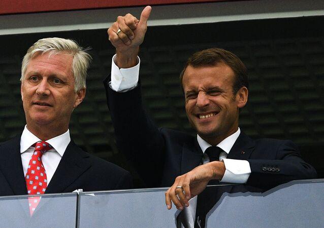 الرئيس الفرنسي إيمانويل ماكرون خلال زيارته لروسيا لحضور المباراة بين المنتخب الفرنسي و البلجيكي