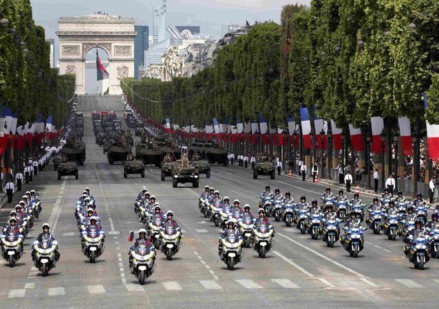العرض العرض العسكري للعيد الوطني الفرنسي