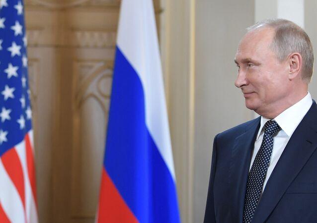 الرئيس الروسي فلاديمير بوتين في القصر الرئاسي الفنلندي في هلسنكي
