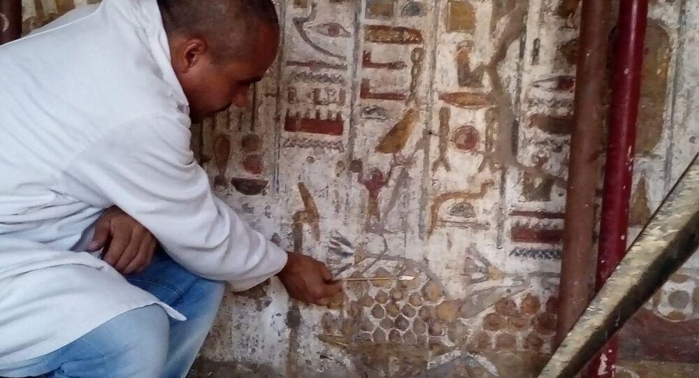 ترميم مقصورة الإسكندر الأكبر بمعبد الأقصر