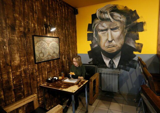 مطعم ترامب برغر في سيبيريا، روسيا