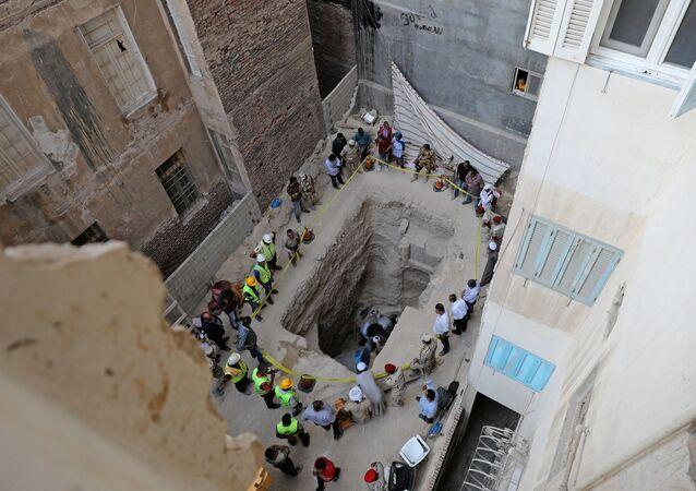 العثور على عدد من المومياء في تابوت أسود في الإسكندرية، شمال مصر 19 يوليو/ تموز 2018