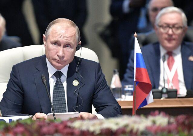 الرئيس الروسي فلاديمير بوتين خلال قمة بريكس لعام 2018