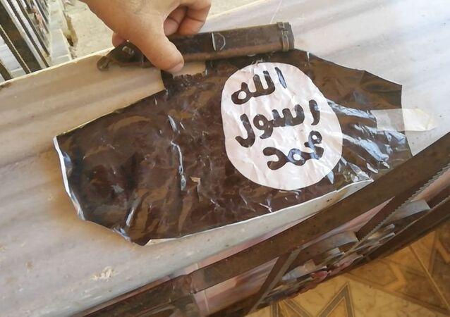 من مخلفات تنظيم داعش الإرهابي في حوض اليرموك