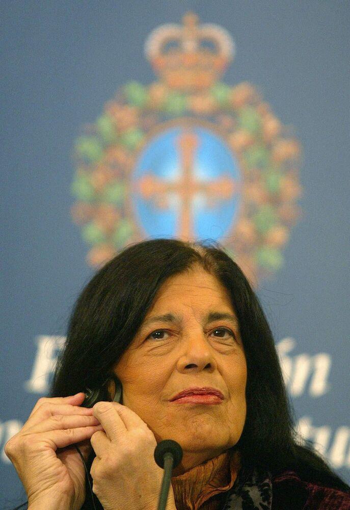 الكاتبة الأمريكية سوزان سونتاغ