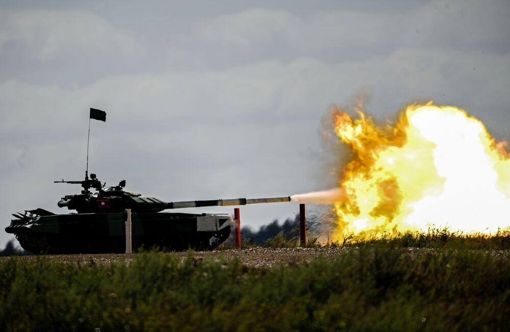 بياتلون الدبابات 2018 في حقل ألابينو في ضواحي موسكو، في إطار المسابقة الدولية آرميا 2018 للألعاب العسكرية في روسيا
