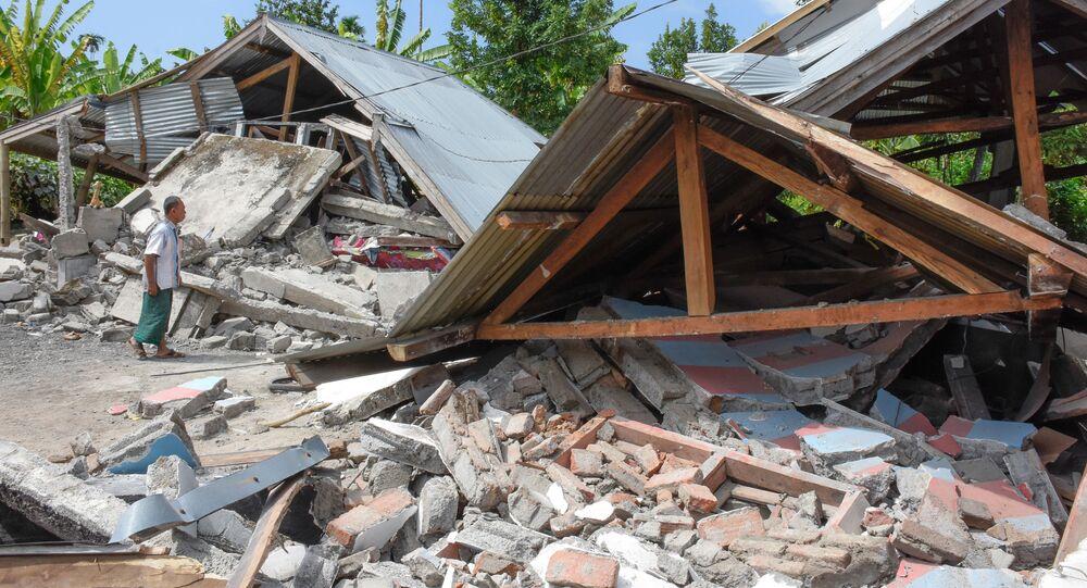 ركام منازل بعد زلزال قوي ضرب منطقة لومبوك، إندونيسيا 29 يوليو/ تموز 2018