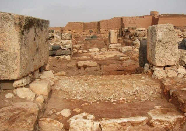 الواجهة الأمامية ومدخل معبد عشتار الأثري في إدلب (1600-1900 قبل الميلاد)