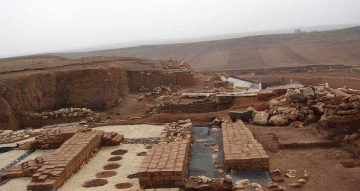القصر الملكي في منطقة تل المراديخ وجانب من عمليات الترميم التي كانت جارية سابقا قبل احتلال المنطقة من قبل جبهة النصرة