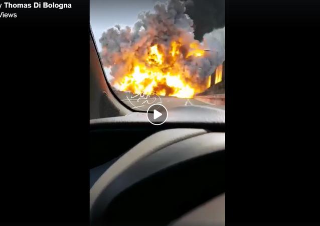 لحظة انفجار شاحنة البنزين في إيطاليا