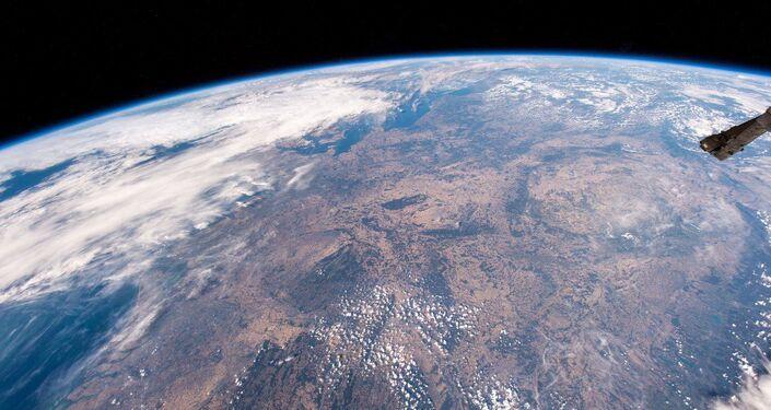 صورة التقطتها المركبة الفضائية الدولية لأوروبا الوسطى ، تظهر مناطقها الجافة