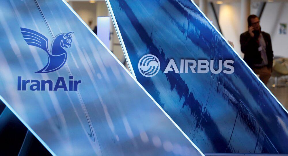 شعار الطيران الجوي الإيراني IranAir - الشركة على قائمة العقوبات الدولية ضد إيران، تولوز، فرنسا 11 يناير/ كانون الثاني 2017