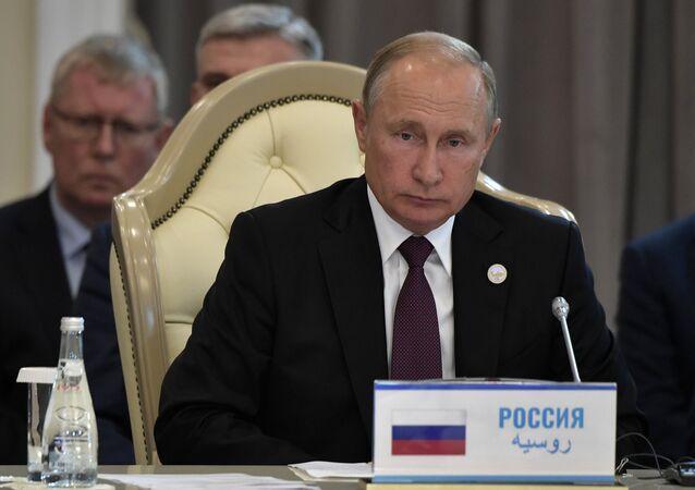 الرئيس الروسي، فلاديمير بوتين في قمة دول بحر قزوين الخامسة