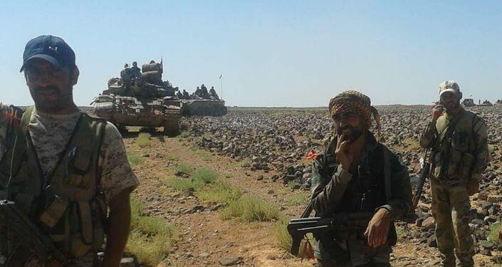 جنود الجيش السوري خلال معارك مع داعش الإرهابي في بادية السويداء