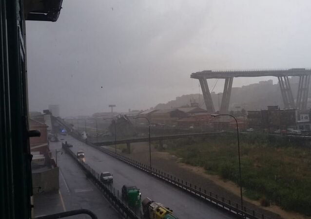 انهيار جسر في مدينة جنوة، إيطاليا