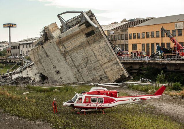 موقع انهيار جسر موراندي في جنوة، إيطاليا