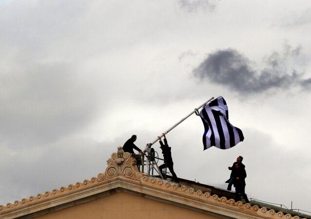 ثمانية أعوام من الأزمة الاقتصادية في اليونان - 2012