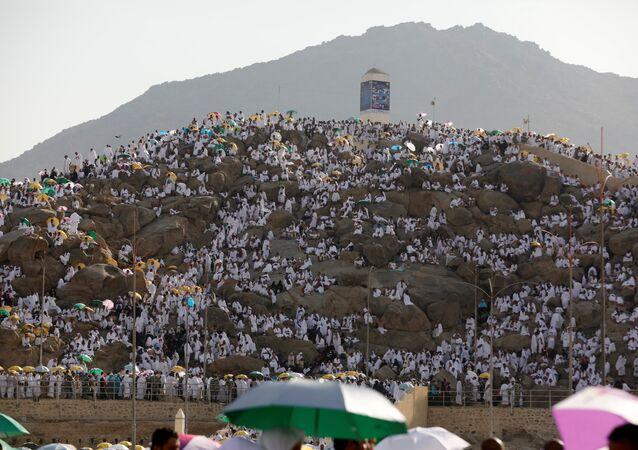 حجاج يتوافدون إلى جبل عرفة لأداء الركن الأعظم من الحج الوقوف بعرفة، السعودية 20 أغسطس/ آب 2018