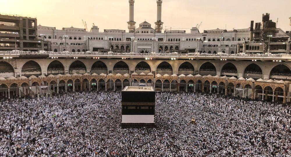 السعودية نيوز | أمطار غزيرة في الحرم المكي لأول مرة في رمضان
