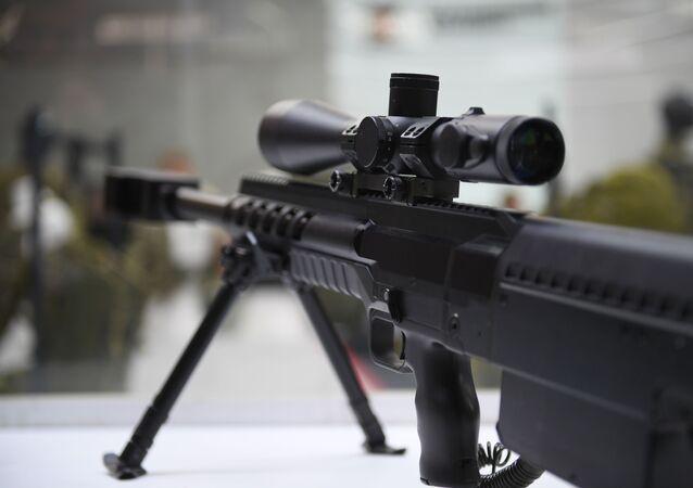 بندقية قنص من عيار ثقيل في معرض الانتاج الجديد لـ كلاشنيكوف في إطار المنتدى الفني العسكري الدولي الرابع آرميا 2018