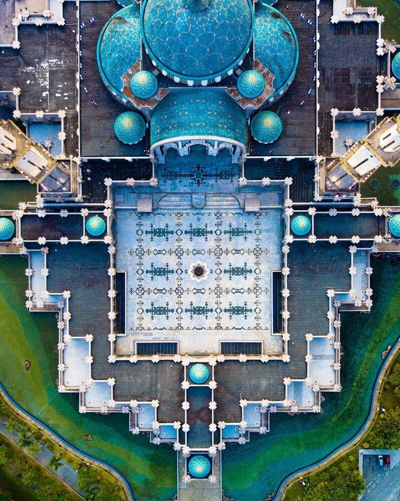 مسجد ولاية (مسجد المنطقة الفدرالية) في كوالا لمبور، ماليزيا