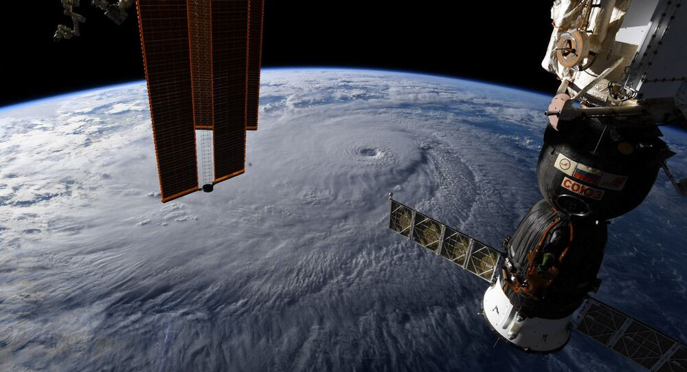 صورة لإعصار لاين في هاواي من على متن محطة الفضاء الدولية - التقطها رائد فضاء ريكي أرنولد، 22 أغسطس/ آب 2018
