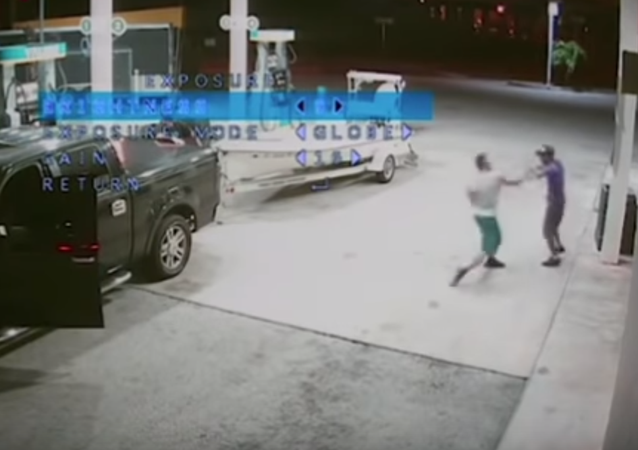 شاب يقتل متسول بطريقة مروعة بسبب طلبه بعض المال