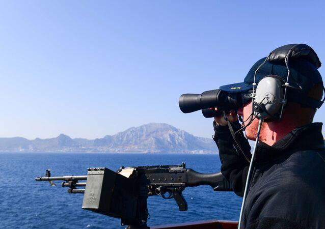 المدمرة الأمريكية Ross بالقرب من شواطئ أسبانيا في البحر الأبيض المتوسط، 17 أغسطس/آب 2018