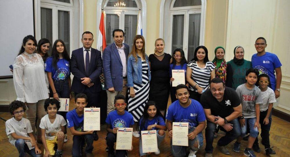 الأطفال المصريين الذين شاركوا في معسكر جونيوك