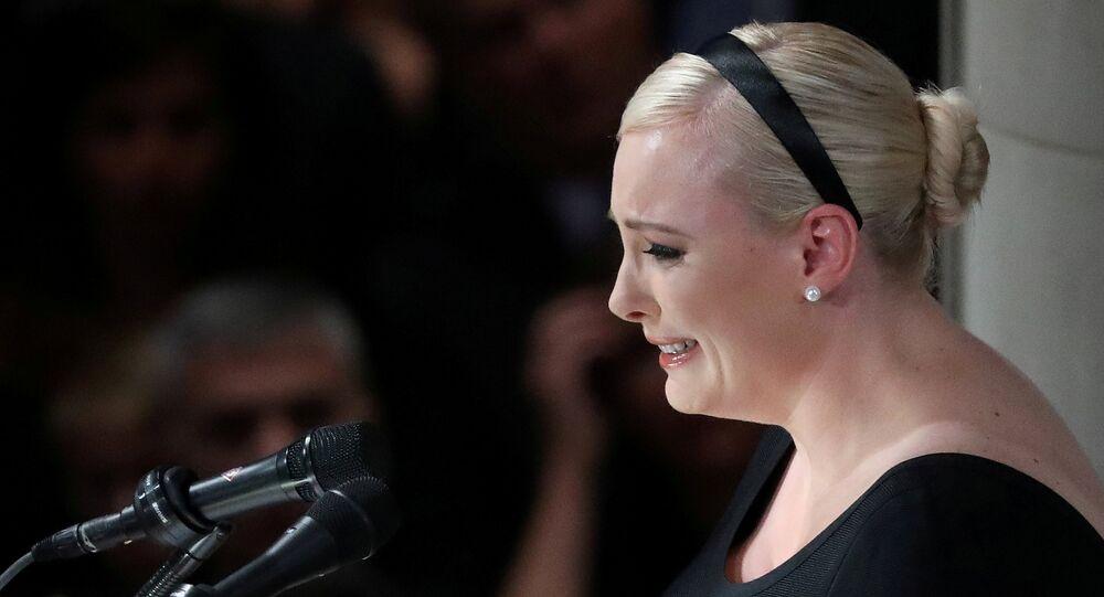 ميغان ماكين ابنة جون ماكين في جنازته، 1 سبتمبر/أيلول