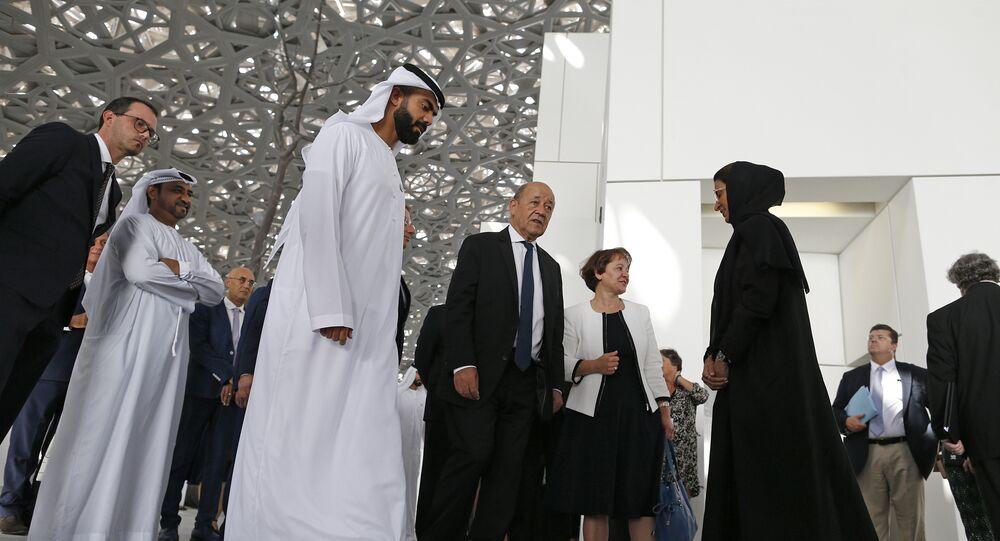 وزير الخارجية الفرنسي جان إيف لو دريان في أبو ظبي