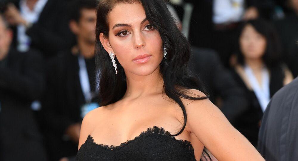 عارضة الأزياء الإسبانية جورجينا رودريغيز