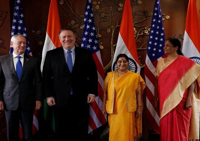 وزير الخارجية الأمريكي، مايك بومبيو، ووزير الدفاع الأمريكي جيمس ماتيس، في الهند