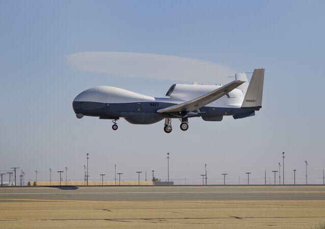 Mطائرة MQ-4C Triton