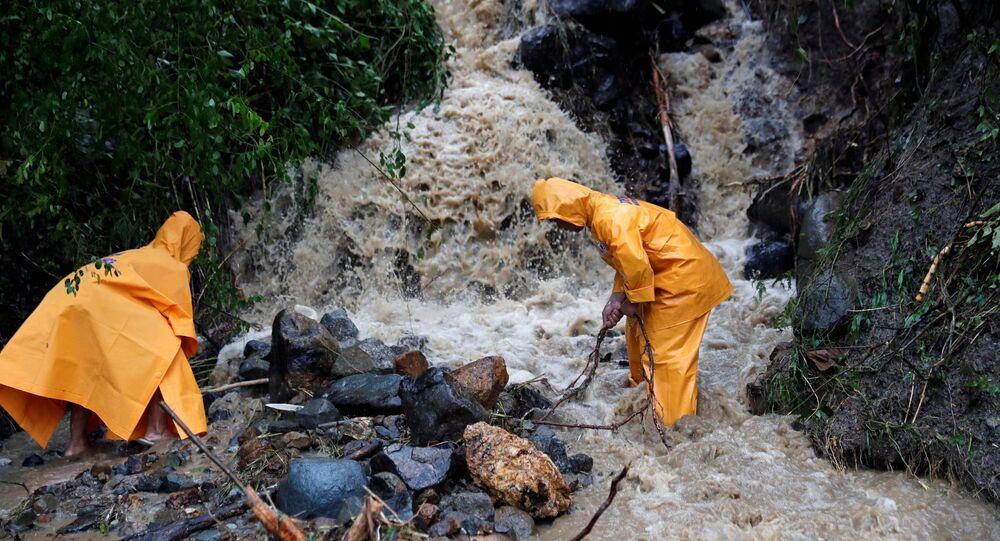إعصار مانغوت في الفلبين