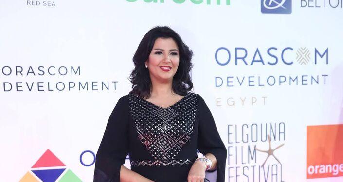 مقدمة البرامج المصرية منى الشاذلي في افتتاح مهرجان الجونة السينمائي الثاني، 20 سبتمبر/أيلول 2018