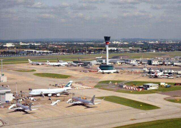 مطار لندن هيثرو