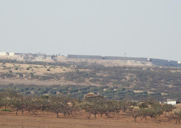 نقطة المراقبة التركية في مورك شمالي حماة تتحول إلى قلعة حصينة