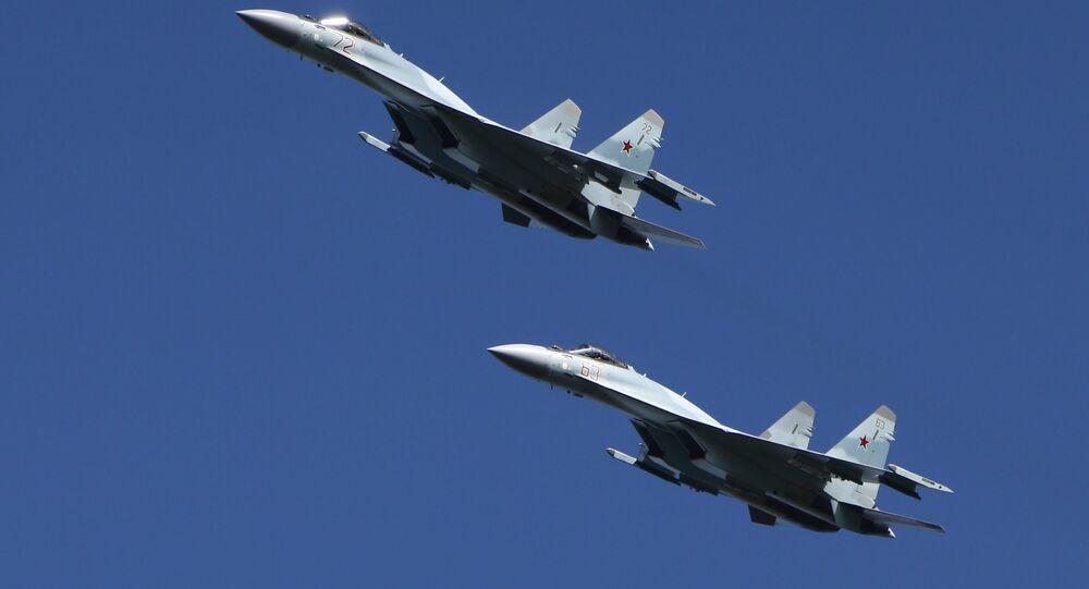 مقاتلات متعددة المهام سو-35، مناورات تكتيكية، قوات الإنزال، في منطقة كوسترومسا، روسيا