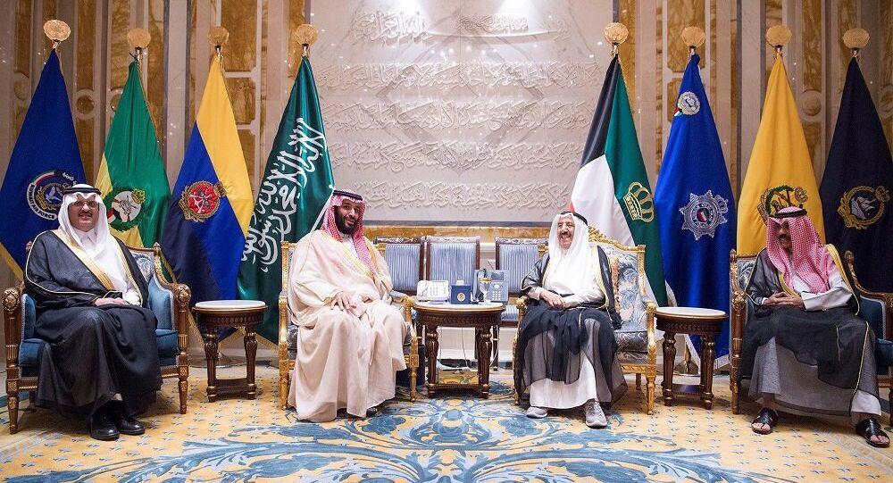 ولي العهد السعودي محمد بن سلمان وأمير الكويت صباح الأحمد الجابر الصباح