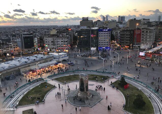 مشهد لساحة التقسيم في اسطنبول، تركيا (صورة أرشيفية)