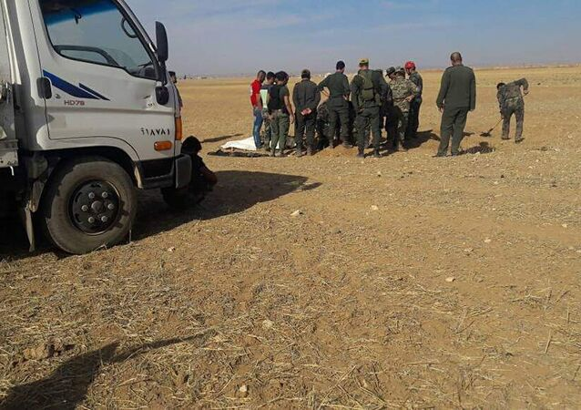 الأمن السوري يعثر على مقابر جماعية في أبو الظهور شرق إدلب