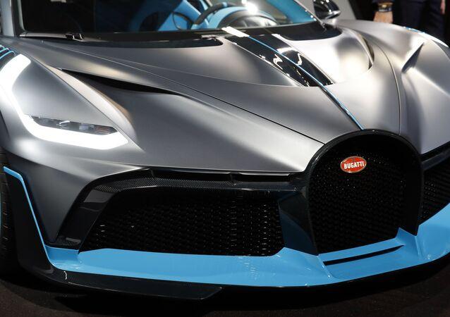 سيارة موديل بوغاتي ديفو (Bugatti Divo) في معرض السيارات الدولي مونديال دو لوتوموبيل في باريس، 3 أكتوبر/ تشرين الأول 2018