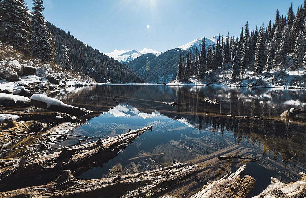 بحيرات كولساي في كازاخستان